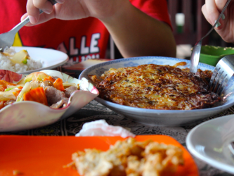 The most amazing potato-rosti like dish on the way back from the floating villages.